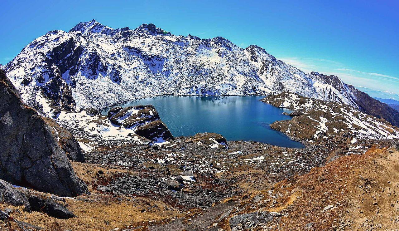 gosaikunda lake rasuwa trek