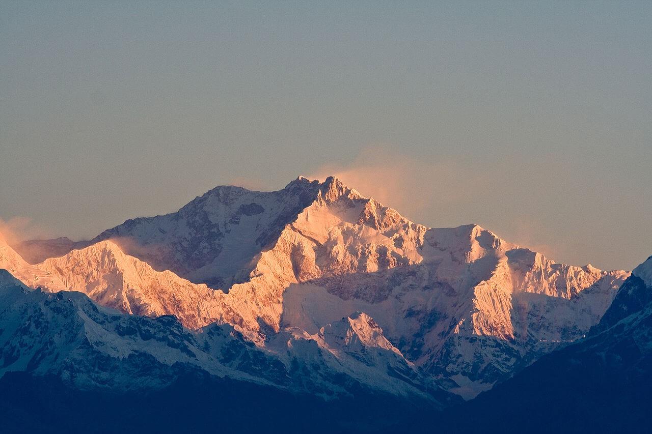 kanchenjunga base camp trek nepal