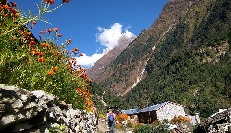 manaslu trekking routes
